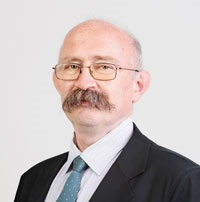 Dr Mező Róbert szakmai igazgató